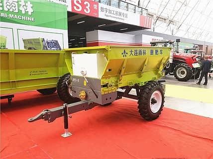 厂家直销牛扬粪抛撒机 鸡粪扬粪车 有机肥撒肥机-大连雨林灌溉设备有限公司
