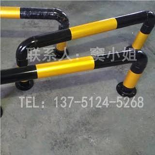 护栏道路U型黄黑隔离防撞栏厂家供应定制生产
