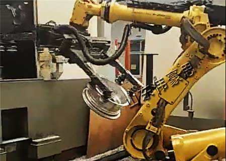 非�硕ㄖ�C器手上下料 ��全自�由舷铝�C器人