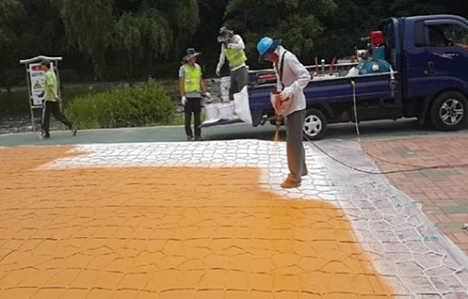 呼和浩特�A通道路改色��r青水泥路面皆可用