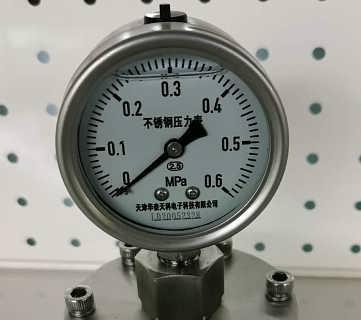 天津厂家生产PP材质压力表