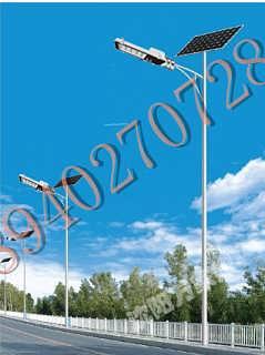 新款太阳能路灯 12米路灯杆