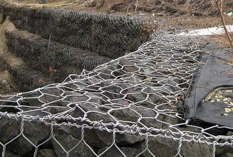 低碳钢丝石笼网防洪护河网箱尺寸(大全)
