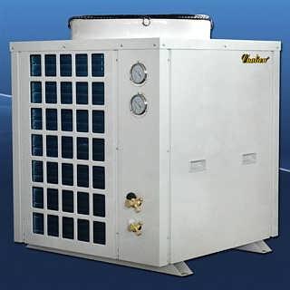 空气能冷暖设备简介:长菱产品逐渐完善,包括大型的设备模块组合。常规的有3P、5P、7P、10P、15P、20P、25P的,每个产品都有常温、中温和超低温的,系列不一样,比如说安徽、湖南、湖北常温的就可以,山东用中温的,再往北就是超低温的。 这个产品里面的太阳能三联供是在太阳能基础上结合三联供做的,是把太阳能和空气能结合起来,解决生活热水问题,解决采暖和制冷问题。  智能化:可根据天气情况调节供暖温度,操作简单方便。机组的智能化可实现24小时供暖,或定时供暖,即使您不在家,也一样可以在回家时即刻享受到家中春