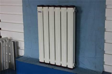 散热器厂家_铜铝复合暖气片_铜铝复合暖气片结构