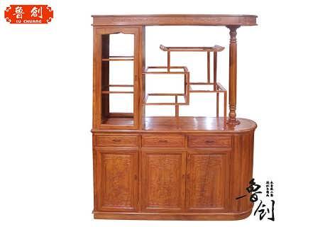 玄关,电视柜 主营:红木家具;仿古家具;明清家具;仿古门窗;东阳木雕