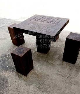 厂家供应仿木桌子凳子 仿树皮圆桌 仿木平板凳 户外仿木桌凳