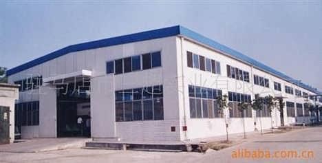 (能稳定厂房结构)    2,柱子,一般用h型钢,或者c型钢(通常是用角钢把