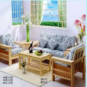 松木的材质较轻,搬动起来比较容易;木料较软,适合用做儿童家具,最重要